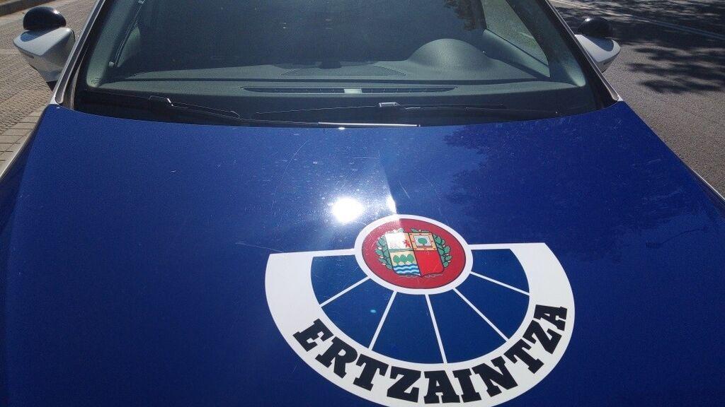 EuropaPress_3743795_vehiculo_policial_ertzaintza