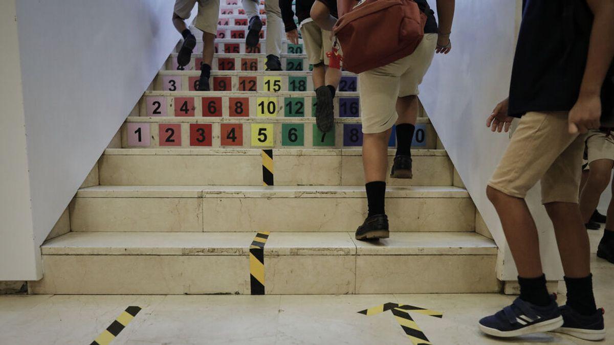 Andalucía confía en vacunar a menores de 12 a 15 años en agosto para que vuelvan a clase con dos dosis