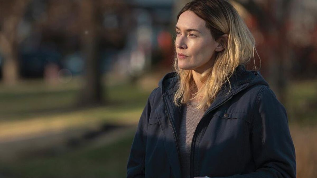 Sin filtros: Kate Winslet se niega a que le quiten barriga en una escena de sexo y devuelve el póster promocional de su última serie por eliminarle las arrugas