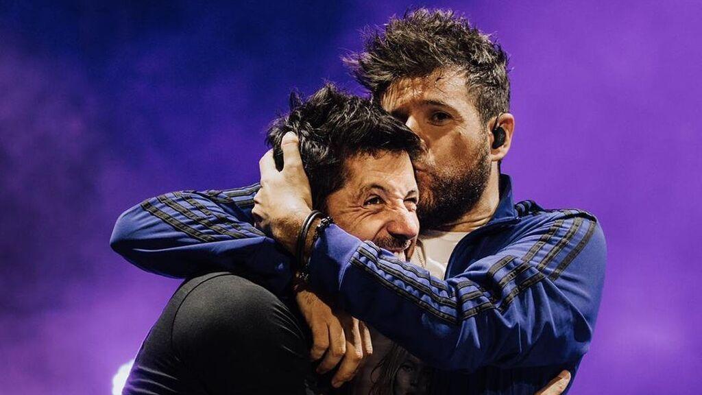 """Luis, el hermano y """"mejor amigo"""" de Pablo López que también triunfa en la industria de la música"""