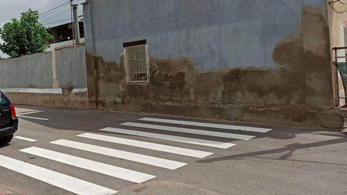 Indignación y burlas por el repintado de tres pasos de cebra a ninguna parte en Murcia