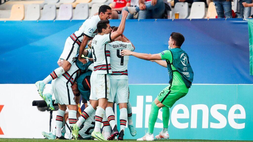 Vieira conduce una contra de manual y Cuenca se mete gol en propia puerta al intentar despejar