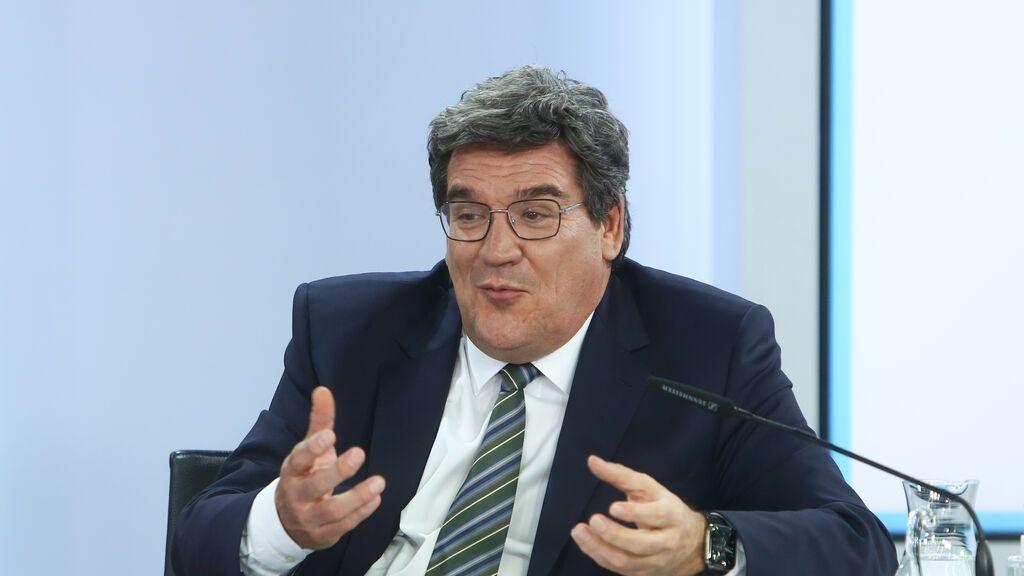 EuropaPress_3740911_ministro_inclusion_seguridad_social_migraciones_jose_luis_escriva_comparece
