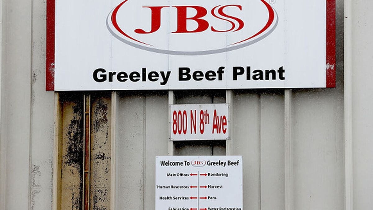 Biden estudia tomar represalias contra Rusia por el ciberataque contra la productora de carne JBS