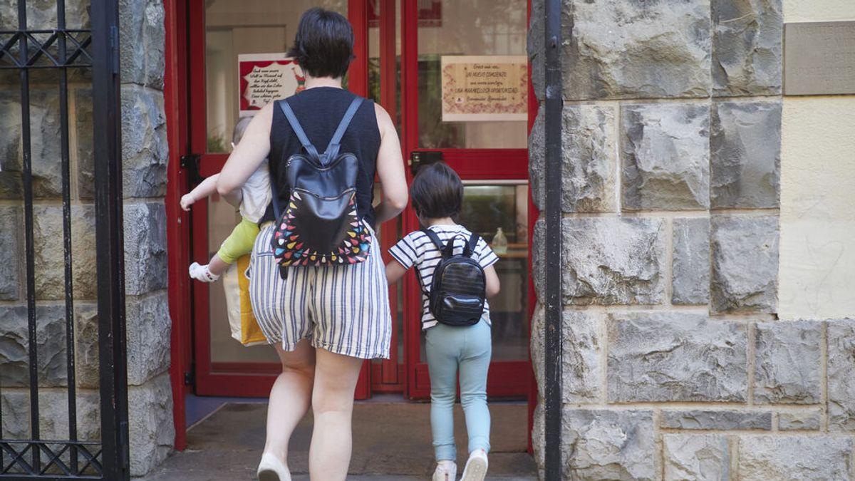 """Familias numerosas tachan de """"sinsentido"""" otorgar el título a las monoparentales con dos hijos"""