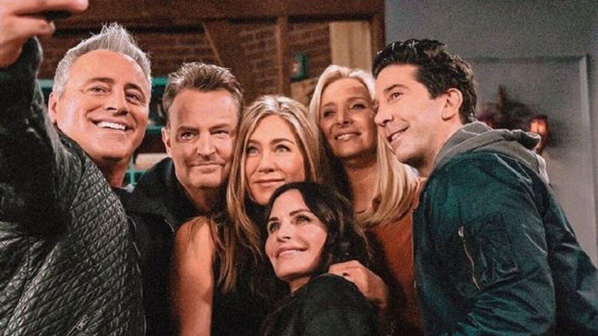 Cómo hemos cambiado: El antes y después de 'Friends', a examen: ¿qué retoques estéticos se han hecho los seis protagonistas?
