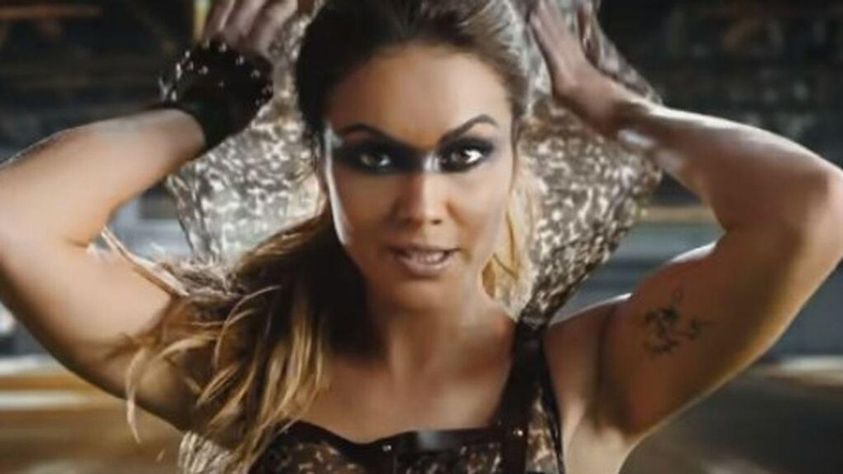 Lara Álvarez, en el videoclip de 'Juntos somos más'