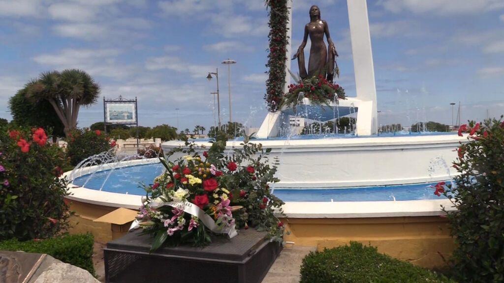 Estatua de Rocío Jurado en el municipio de Chipiona