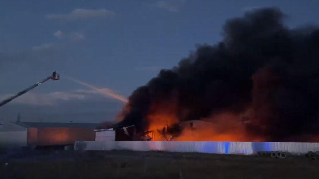 Un incendio en una fábrica de productos químicos en Toledo provoca el caos entre los vecinos
