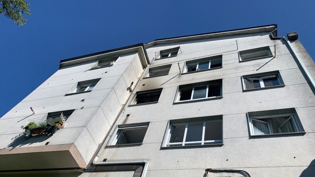 Muere una mujer en el incendio de un piso que iba a ser desahuciado y se investiga la participación del hijo