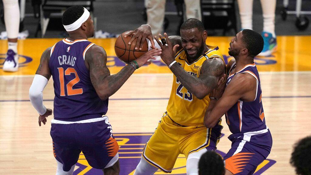 LeBron James abdica ante Devin Booker: Phoenix Suns elimina a los Ángeles Lakers de Playoffs (100-113)