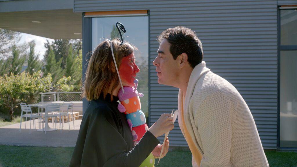 Quien paga la conexión decide cómo gestionarla: el truco de Pablo y Natalia para pillar a la familia con las manos en la masa