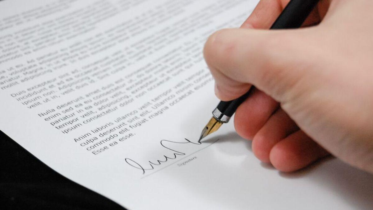 Un hombre de Ourense acusa a su jefe de falsear la firma de 14 nóminas para evitar pagarle