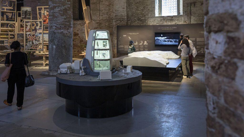 La Agencia Espacial Europea exhibe su proyecto de casa hinchable para vivir en la Luna en la Bienal de Venecia