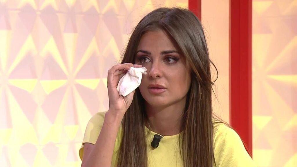 Alexia Rivas se emociona al volver al plató de 'Socialité'