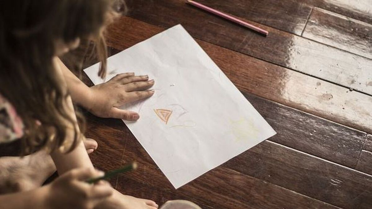 """Condenan a un padre por abusar de hija autista gracias a """"dibujos"""" de la niña"""