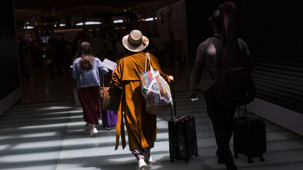 Turismo espera la llegada de entre 14,5 y 15,5 millones de turistas este verano, el doble que el año pasado