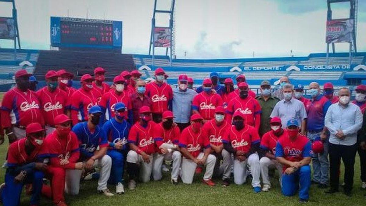 La selección cubana de béisbol llega a un campeonato en EEUU y una parte se fuga y pide asilo