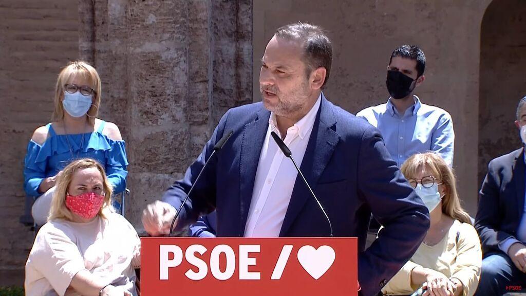"""Ábalos dice que los """"desafíos del independentismo"""" surgieron con el PP, en época """"de hamaca, puro y pusilánimes"""""""