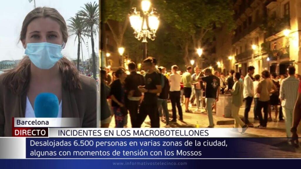 Botellones en Barcelona: desalojados este domingo más de 6.000 jóvenes