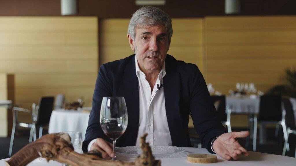 Cuando te ponen vino para que lo pruebes en un restaurante: en qué te tienes que fijar en ese primer sorbo