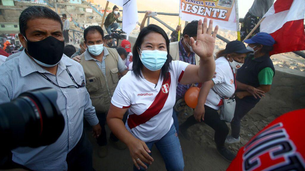 La conservadora Keiko Fujimori llega al poder en Perú marcando distancias con su padre
