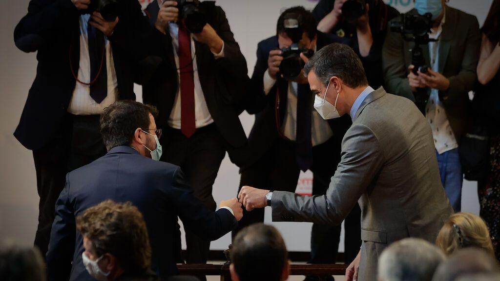 Sánchez, Aragonés y Junqueras escenifican el 'deshielo' en la semana de la foto de Colón