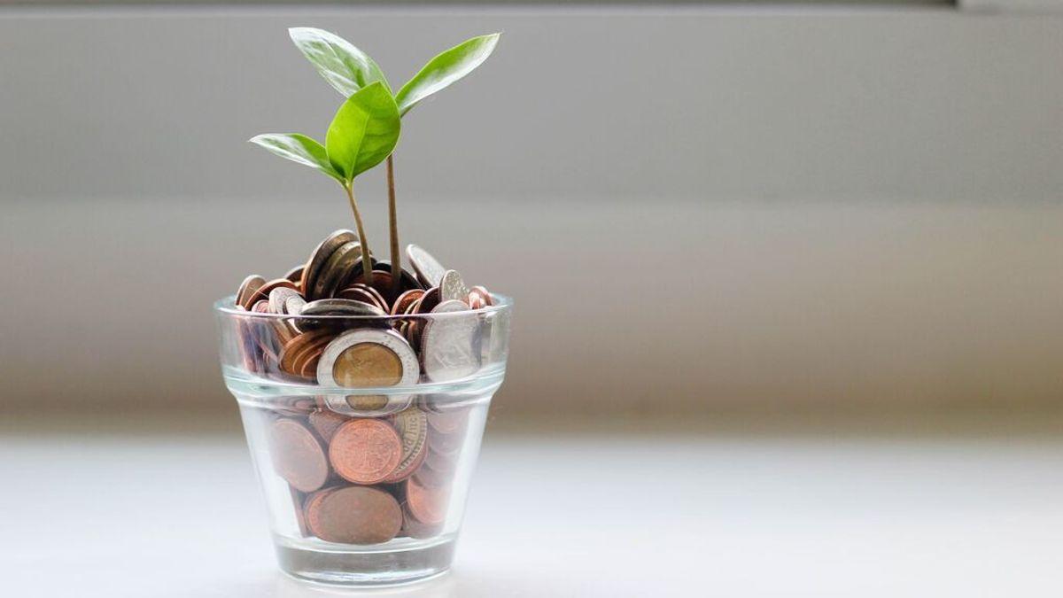 ¿Ahorrar por tarros? El método de un empresario canadiense que puede pagarte parte de las vacaciones
