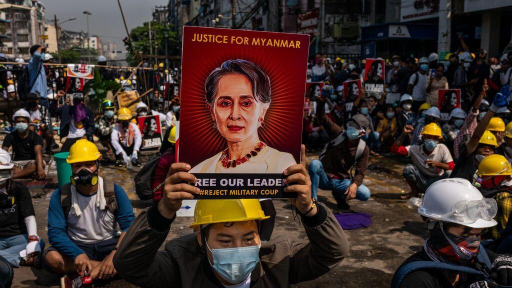 Birmania, el acoso a los periodistas de la junta militar tras el golpe de Estado