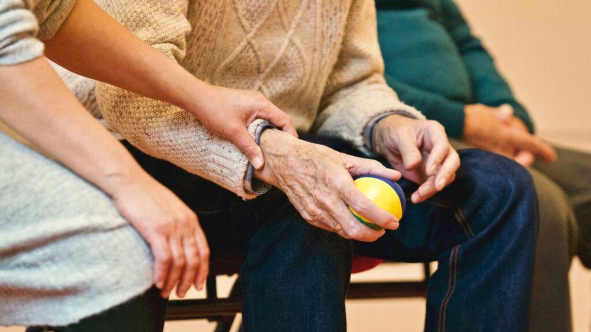 EE.UU. aprueba el primer medicamento enfocado al origen del Alzheimer