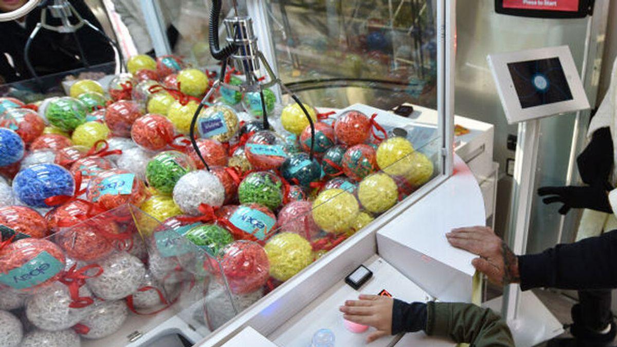 """Un niño se queda atrapado dentro de una máquina recreativa en Las Palmas: """"Esto es de locos"""""""