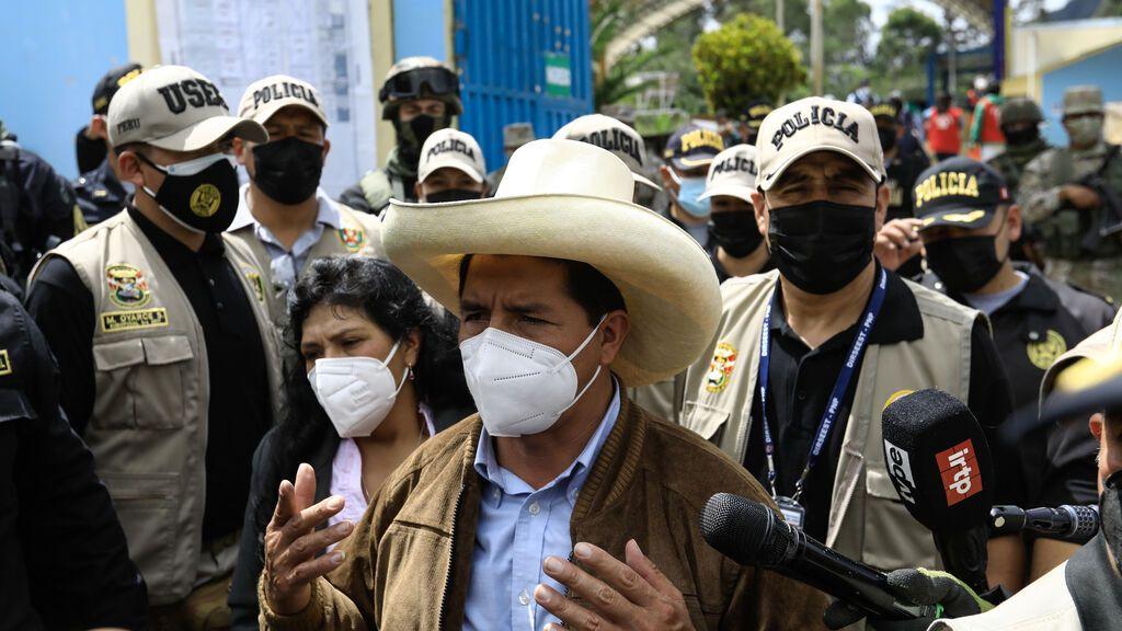 Pedro Castillo,  el maestro de escuela rural que ... el poder