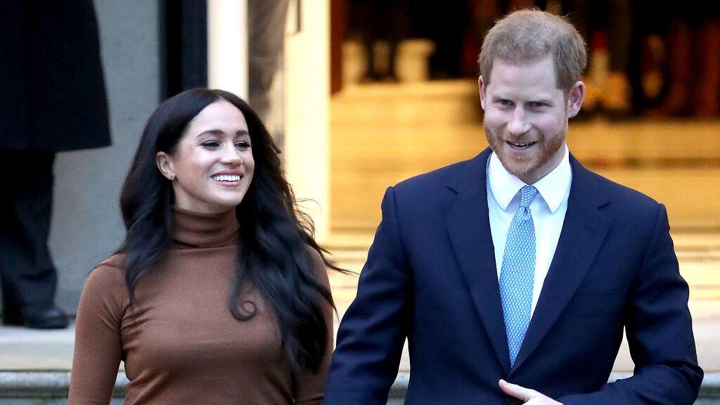 """Harry y Meghan """"degradados"""" en la web oficial de la familia real británica"""