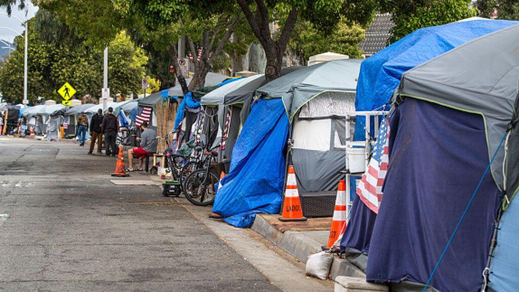 Cientos de miles de personas sin hogar buscan su sitio en Estados Unidos