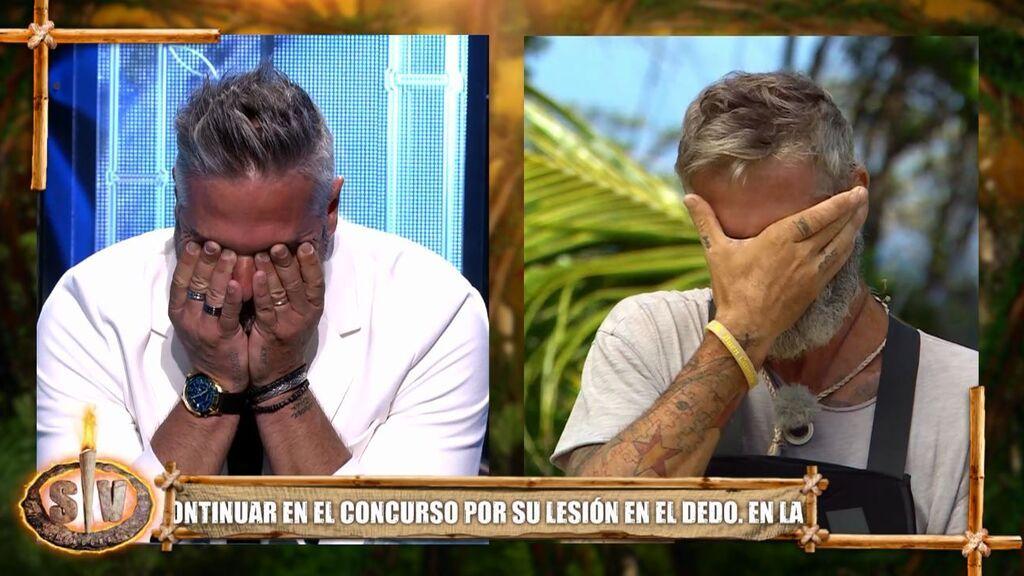 Carlos Alba y su hermano rompen a llorar