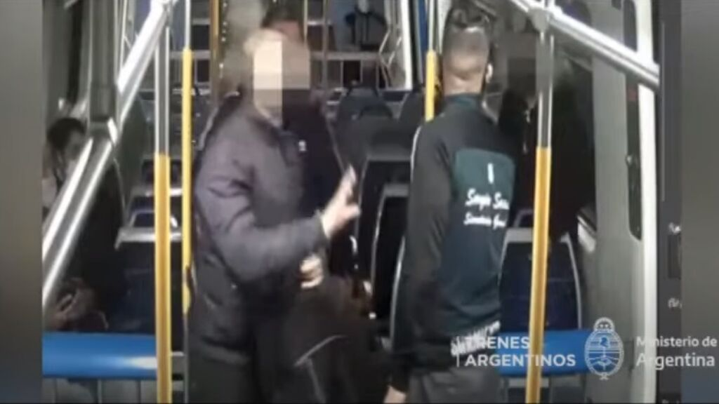 Detienen a un hombre por manosear a una pasajera que iba dormida en un tren de Argentina
