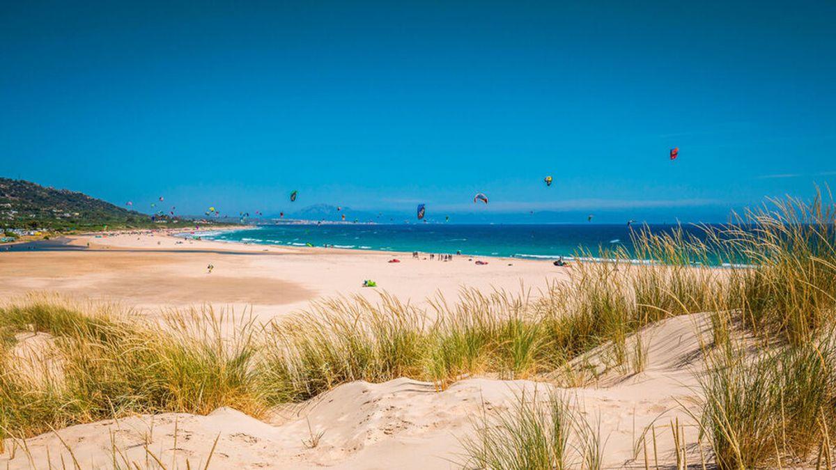 Valdevaqueros, la playa de Tarifa de arena blanca y aguas cristalinas, que ha sido elegida 'Mejor Playa de España'