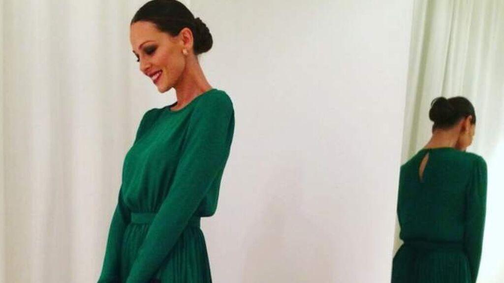 Para la boda de Kiko Rivera destacó con un vestido largo verde.