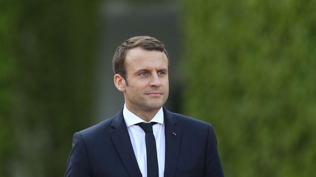 Macron, abofeteado cuando se disponía a saludar al público