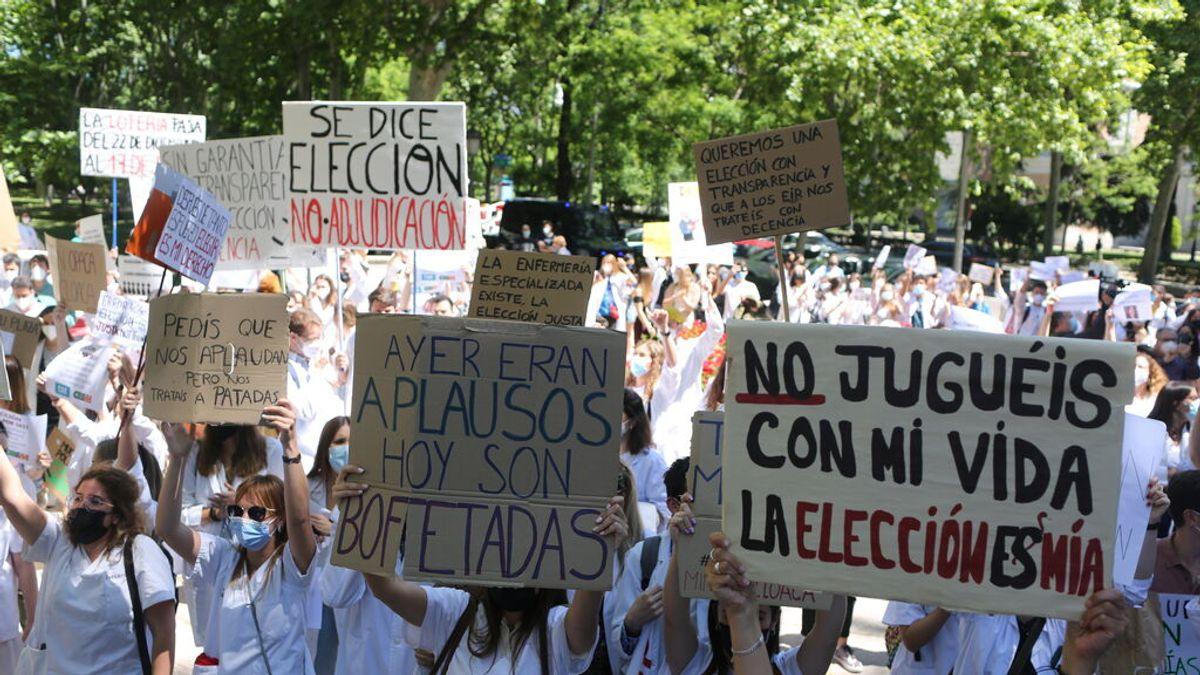 Cientos de aspirantes a MIR vuelven a manifestarse contra la adjudicación de plazas