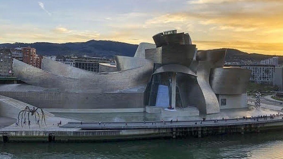 """El nuevo Museo Guggenheim Bilbao que """"reactivará"""" la economía y enfada a los ecologistas"""