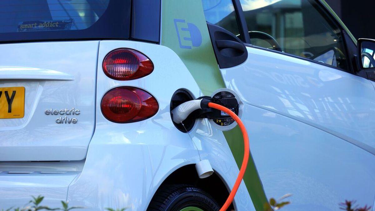¿Por qué pesan más los coches híbridos y eléctricos?