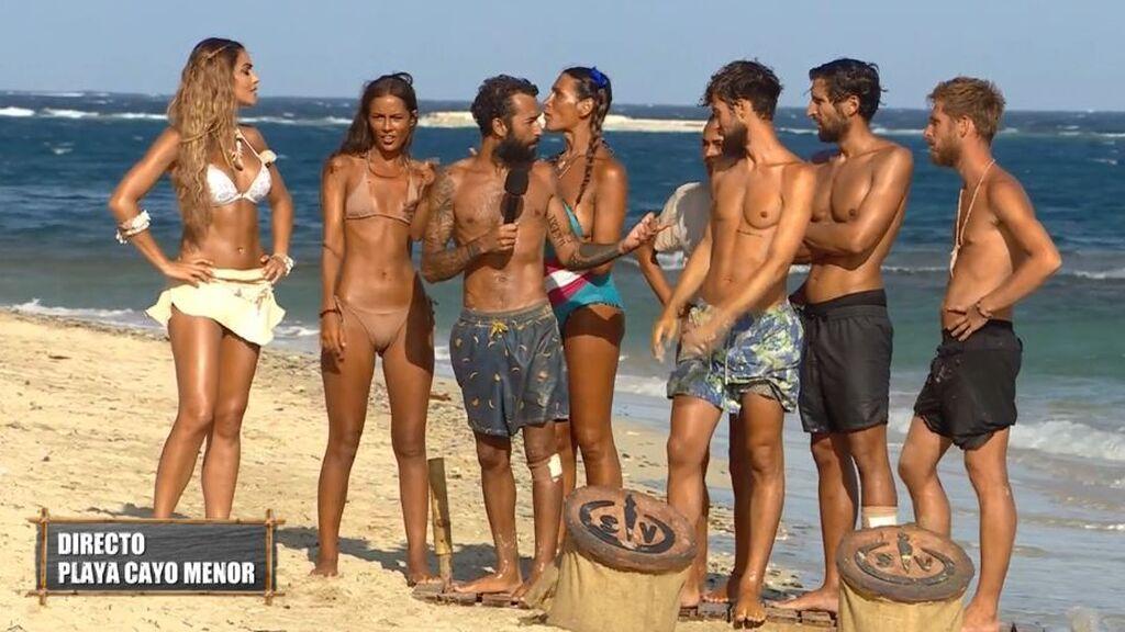 Omar traiciona a sus compañeros revelando que los concursantes sabían qué amuletos tenían