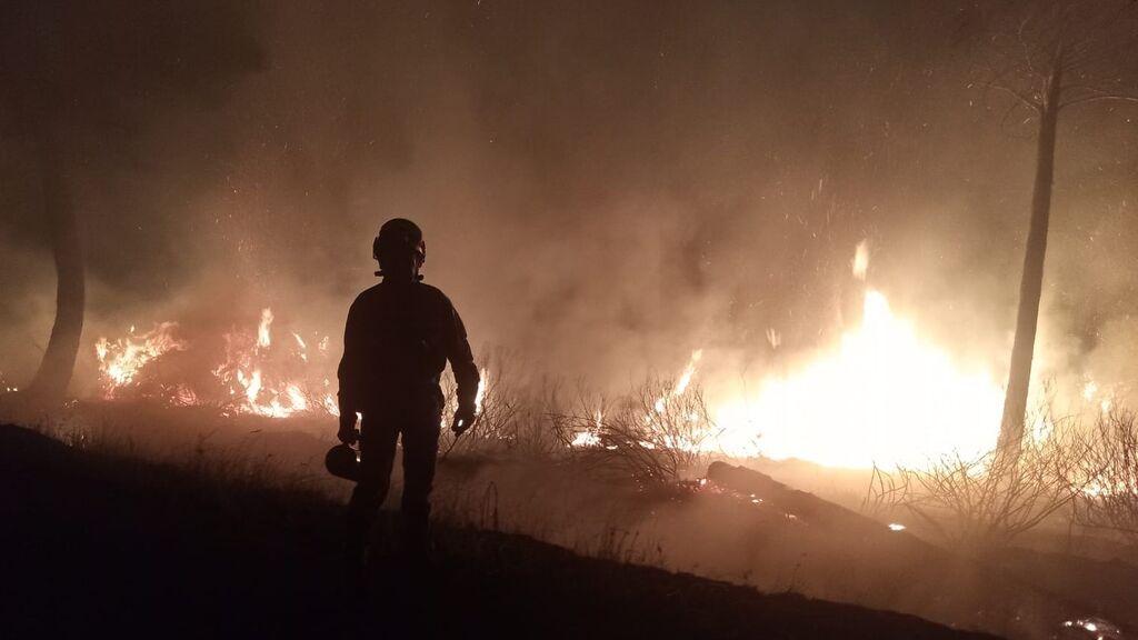Aparatoso incendio en la Sierra de Francia en Salamanca