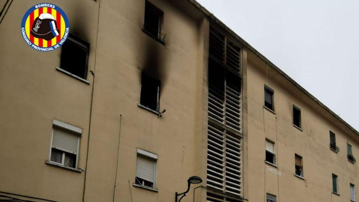 Detienen al inquilino del piso donde se ha originado el incendio el que ha muerto un hombre en Valencia
