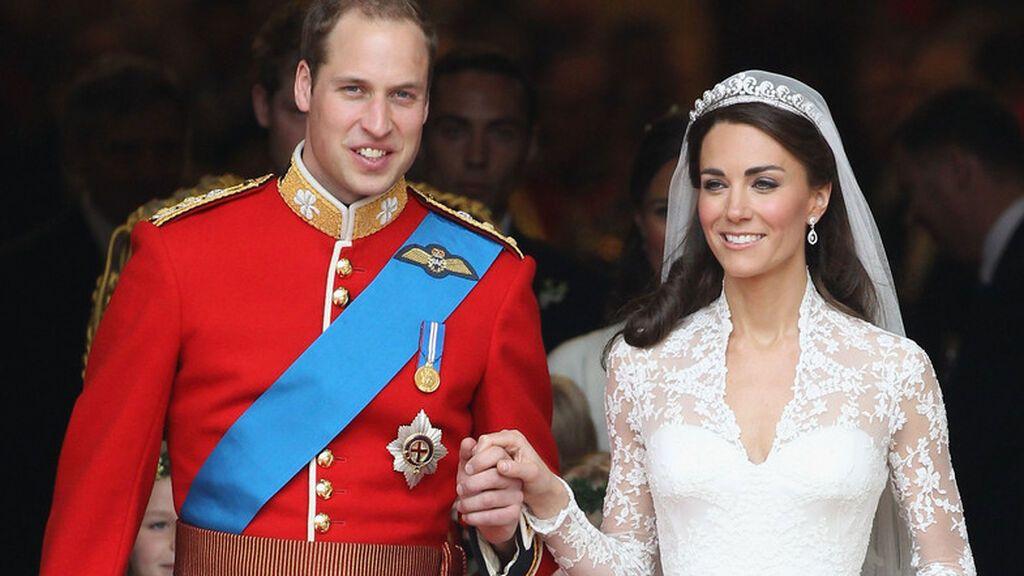 Estos son todos los momentos que no vimos de la boda entre Guillermo y Kate Middleton: del homenaje a Lady Di a saltarse el protocolo.