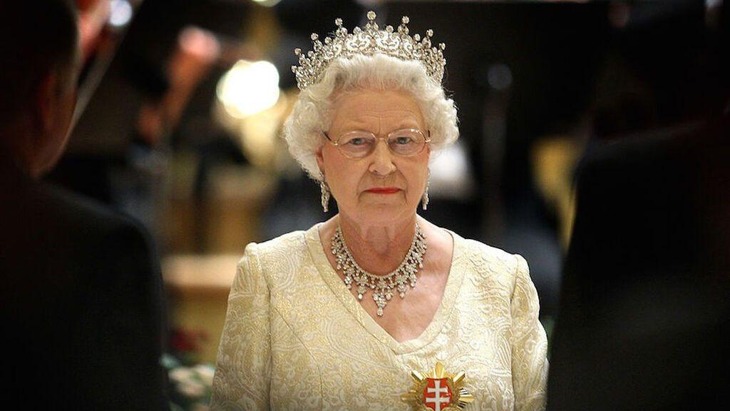 Esta tiara es una de las favoritas de la reina Isabel II.