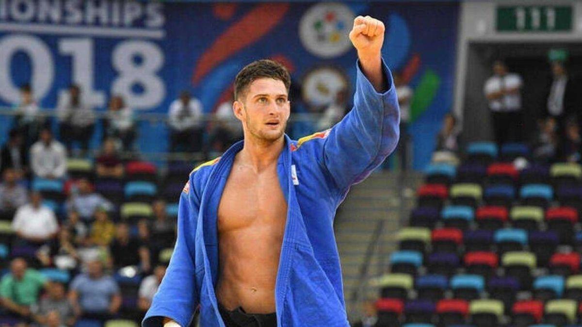 Niko Shera hace historia convirtiéndose en el primer español bicampeón del mundo de judo