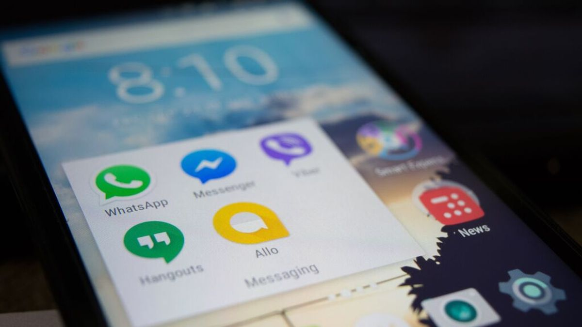 Cómo crear tu propio contestador automático en Whatsapp y Facebook