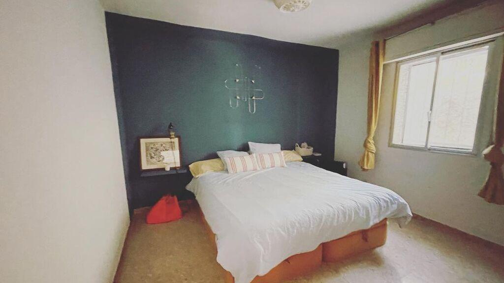 La habitación matrimonial de la casa de campo de Tania Llasera